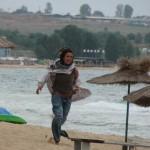 Радина изпадна в лудост на плажа (снимки)