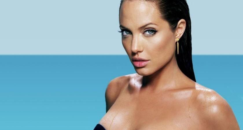 Анджелина Джоли ще бъде булка в червено