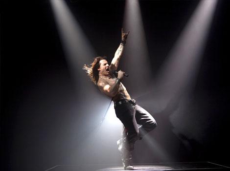 Том Круз като рок звезда в Rock of ages