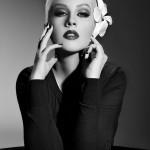 Кристина Агилера с невероятна черно-бяла фотосесия