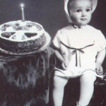 Глория показа снимки от детските си години