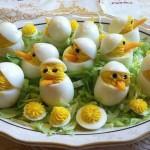 Ефектни пиленца с яйца и майонеза