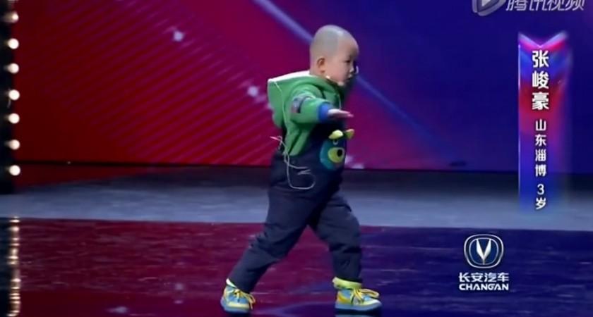 Мечтата на едно дете – да прави другите щастливи! (ВИДЕО)