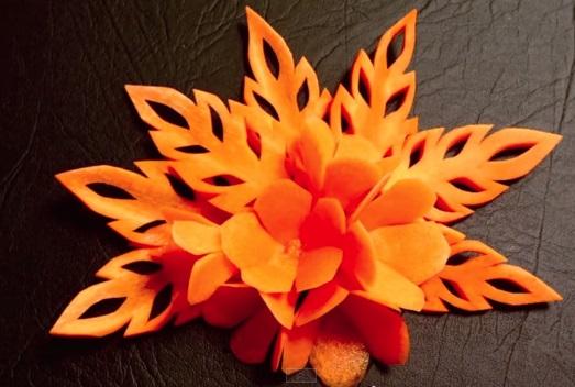 За вашата маса: Красиви есенни листа от моркови (ВИДЕО)